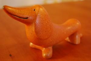 スウェーデンの陶芸家Lisa Larsonの作品。ダックスの置物なんて珍しいからつい。/IDEE SHOP
