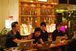 パネリストのみなさん。左から宮崎さん、長谷川さん、小泉さん、山崎さん