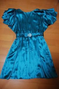 同じくSEE BY CHLOEのシルクワンピ。蝶蝶みたいな袖が可愛い。