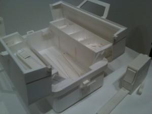 ケント紙で作られた工具箱。This is really impressive!