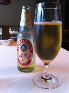 まずはプレミアム青島ビール