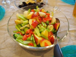カブとサーモンとリンゴのサラダ