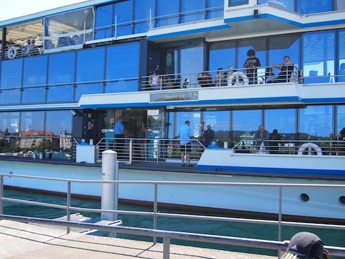 boat on zurichsee