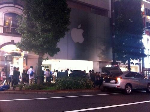 今夜のアップルストア(渋谷)アップルロゴの照明は落ちていた