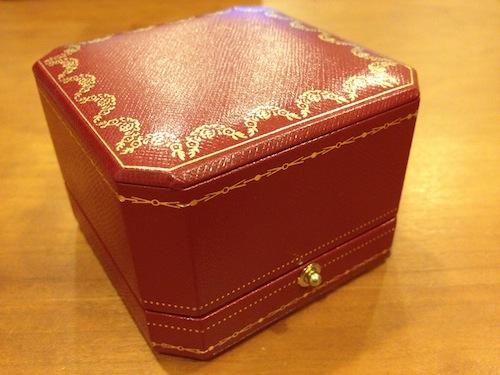 Cartierの赤い箱
