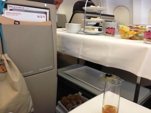 スイス航空ビジネスクラスの食事(ワゴンサービス)