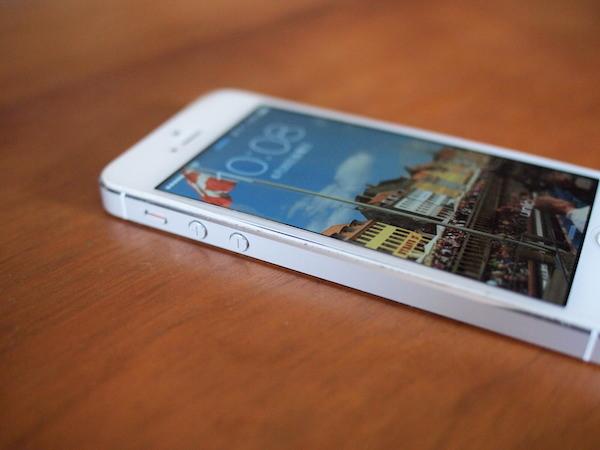 iPhone5のバッテリー膨張