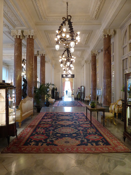 hotel du palais lobby